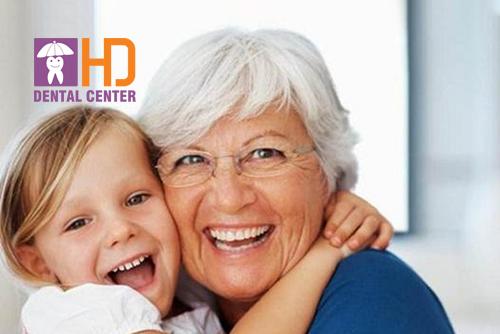 Bọc răng sứ có đẹp và trắng mãi mãi không? Tuổi thọ của răng sứ