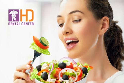 Chế độ ăn uống sau khi bọc răng sứ để răng sứ luôn trắng sáng