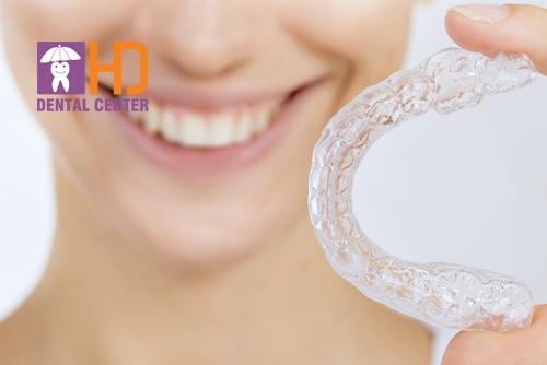 Phương pháp niềng răng trong suốt có đau không?